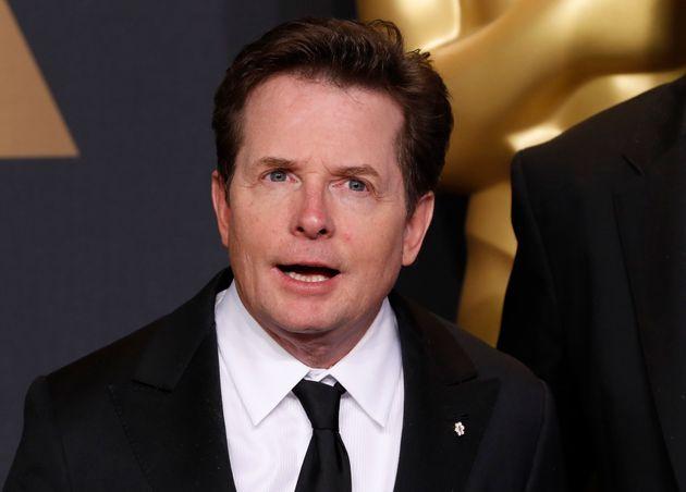 Michael J. Fox en la alfombra roja de los Oscar en
