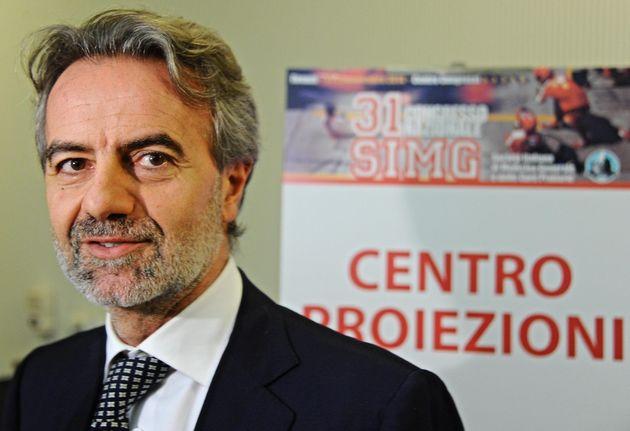 """Luca Pani: """"Non vaccinarsi sarebbe un errore. Rendiamolo obbligatorio"""""""