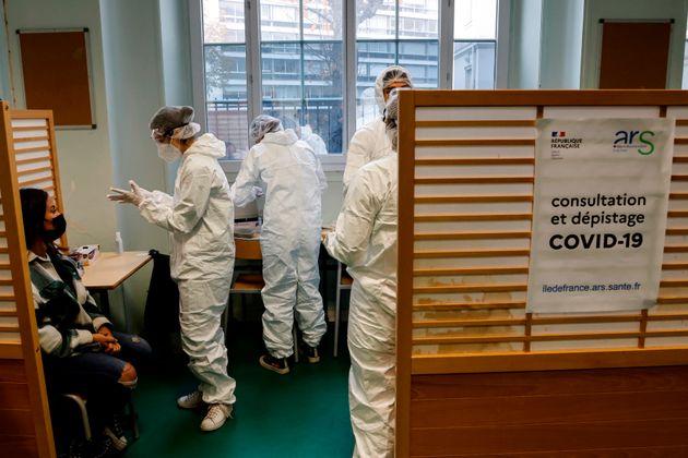 Ce lundi 23 novembre, le nombre de nouveaux cas de coronavirus est passé sous la barre des 5000...