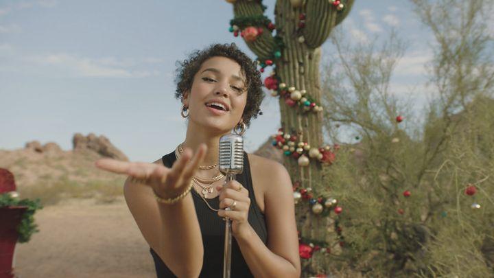 Sofia Wylie en & ldquo; High School Musical: The Musical: The Holiday Special, & rdquo;  transmitido el 11 de diciembre en Disney + streaming s