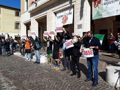 Quelli dello sciopero del 9 dicembre e quelli dei ristori, uniti nella