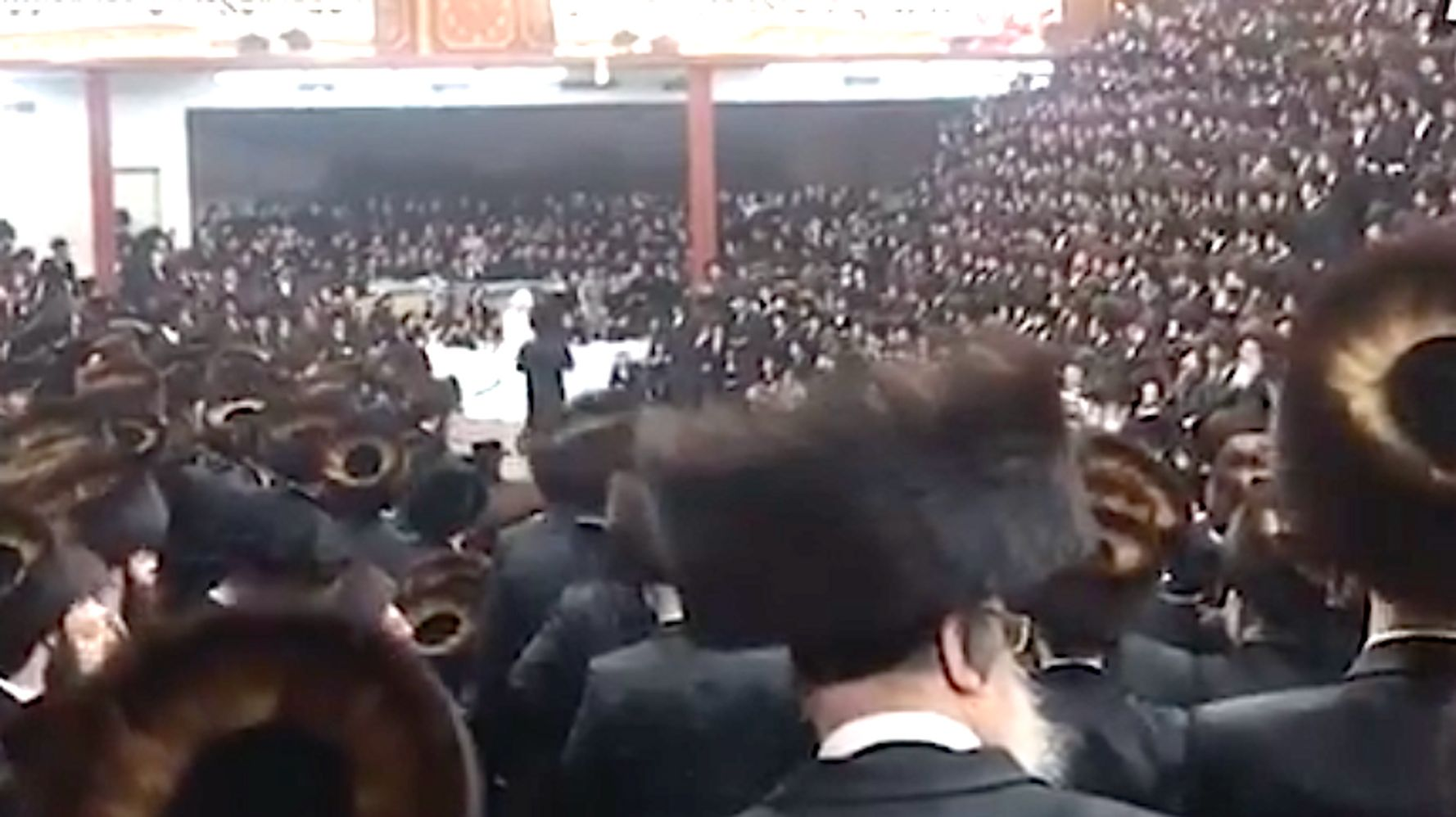 NYC Synagogue Fined For Massive Maskless Wedding