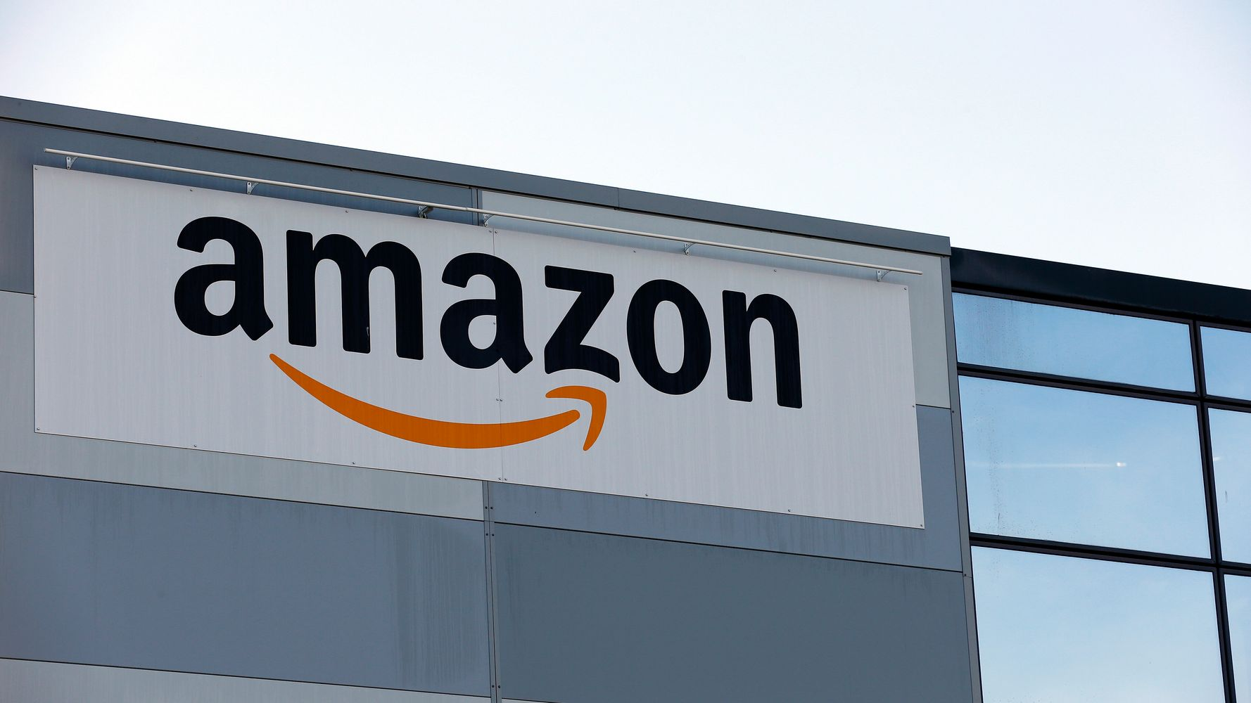 Amazon Warehouse Workers File For Union Election In Alabama
