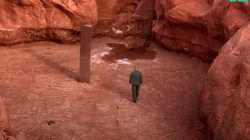 Encuentran un monolito en mitad del desierto de