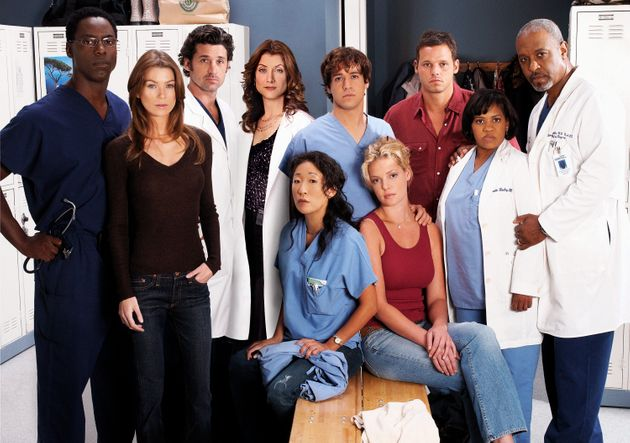 Les acteurs des premières saisons de Grey's Anatomy. Debout: Isaiah Washington, Ellen Pompeo,...