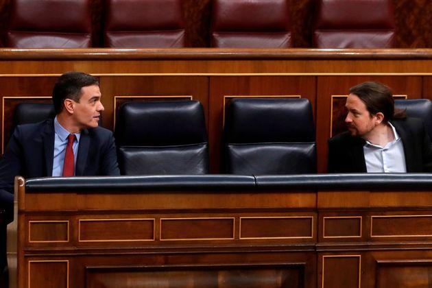 Pedro Sánchez y Pablo Iglesias el pasado 22 de abril en un pleno en el