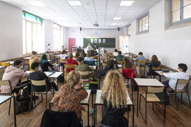 Superiori in zona gialla-arancione: in classe almeno il 60% degli studenti