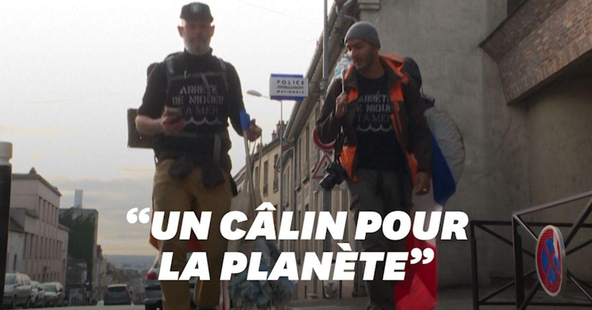 Ce duo franco-britannique marche de Marseille à Paris pour ramasser les masques dans la nature