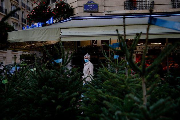 Xαλάρωση των μέτρων στη Γαλλία - Επαναλειτουργία καταστημάτων εξήγγειλε ο