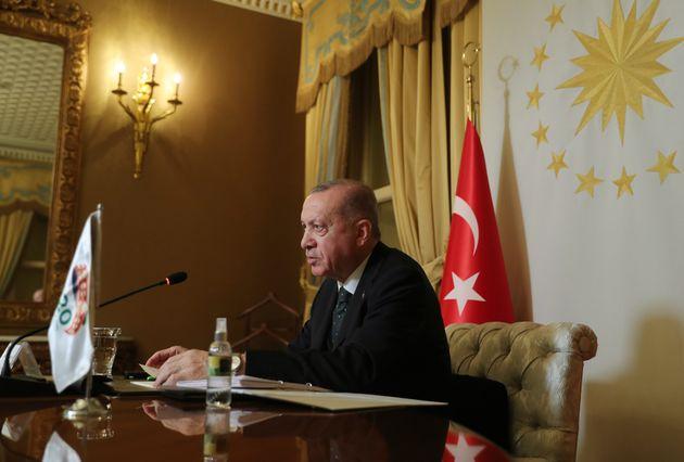 L'improvvisa (fumosa) inversione di marcia di Erdogan verso