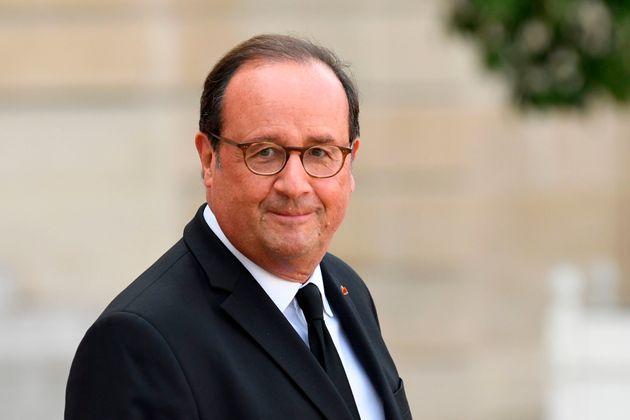 François Hollande à l'Elysée le 30 septembre 2019 après une cérémonie...