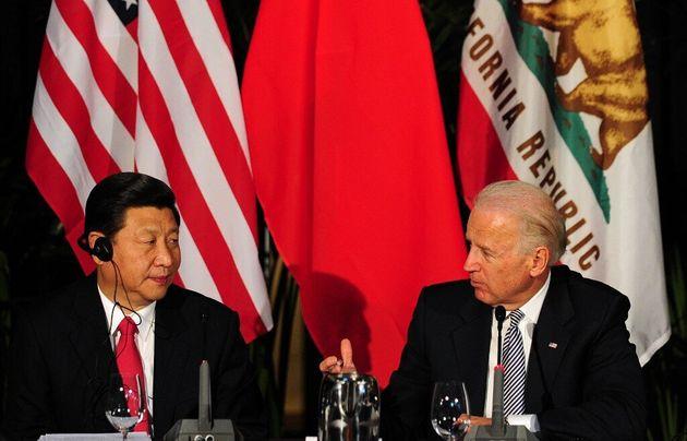 Xi Jinping et Joe Biden à Los Angeles, le 17 février 2012 (image