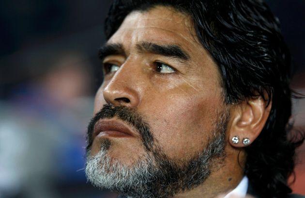 È morto Diego Armando Maradona, stroncato da un arresto cardiaco