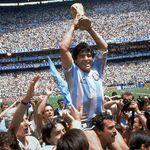 Le légendaire joueur de soccer Diego Maradona est