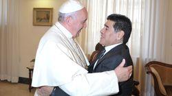 Il magnetismo fra Bergoglio e Maradona, miti d'Argentina (di P.