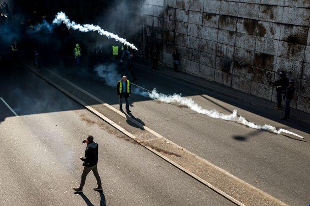 L'État condamné pour la 1e fois pour un tir de LBD sur un gilet jaune lors d'une manifestation...