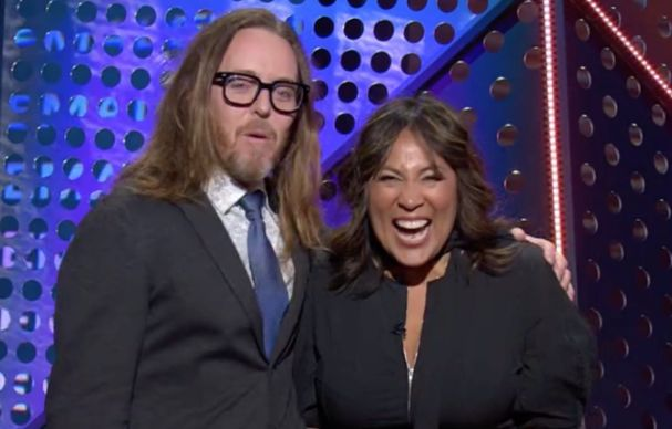 Tim Minchin and Kate Ceberano drop double F-bombs while presenting at the 2020 ARIA