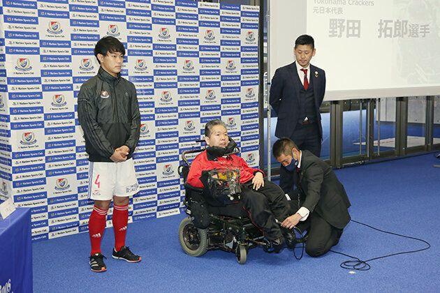 (左から)横浜F・マリノス フトゥーロ キャプテン 小林佑平さん、電動車椅子サッカーのYokohama Crackers 元日本代表野田拓郎さん、横浜マリノス クラブシップ・キャプテン