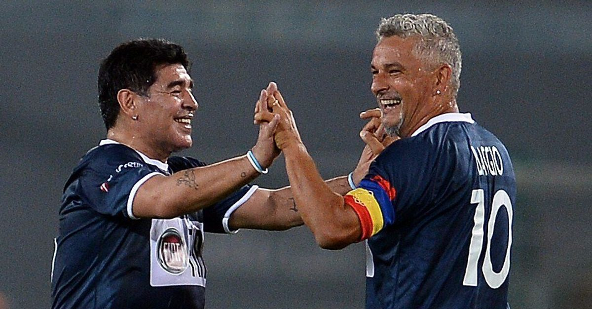 """Diego Armando Maradona ha dipinto grande calcio"". L'omaggio di Roberto Baggio"