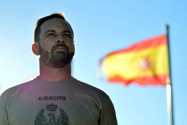 Santiago Abascal, con una camiseta del