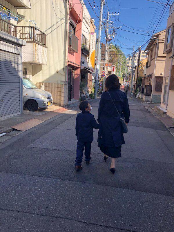 5歳のお子さんがいる石川さん。緊急事態宣言下では夫との家事育児の分担はシフト制を採用し、現在でも状況に応じて話し合いながら対応しているとか。