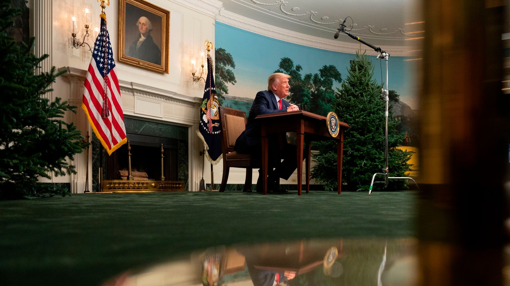 Donald Trump's Tiny-Looking Desk Is Now A Hilarious 'Photoshop Battle'