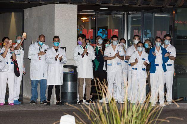 Médicos en España durante la