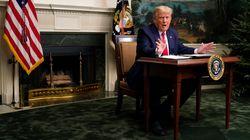 トランプ大統領の机が小さくなった。政権移行開始の影響...?その真相は(画像集)