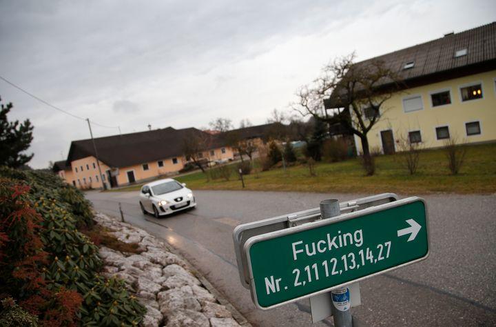 fuck signs Austria steal