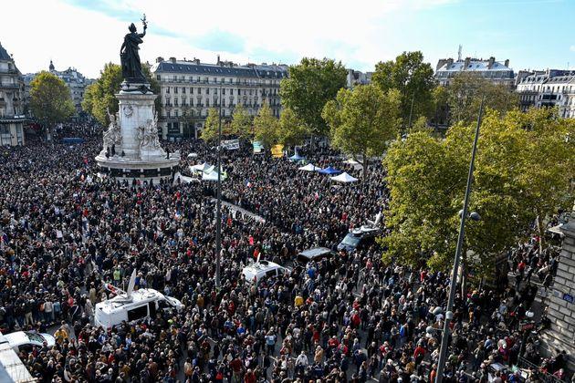 Une manifestation en hommage au professeur Samuel Paty, place de la République à Paris,...