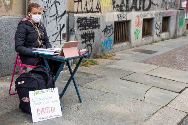 Anita, la studentessa di Torino contro la Dad: