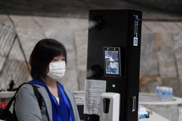 Il Giappone affronta la terza ondata di Covid, ma la vera piaga sono i
