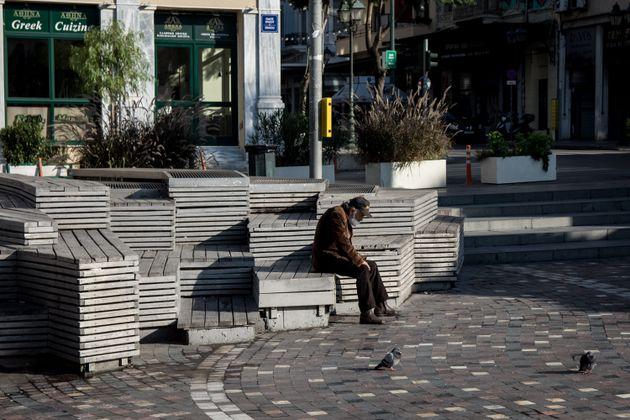 Κορονοϊός: Στους 98 οι νεκροί το τελευταίο 24ωρο - Αρκετά μειωμένα τα