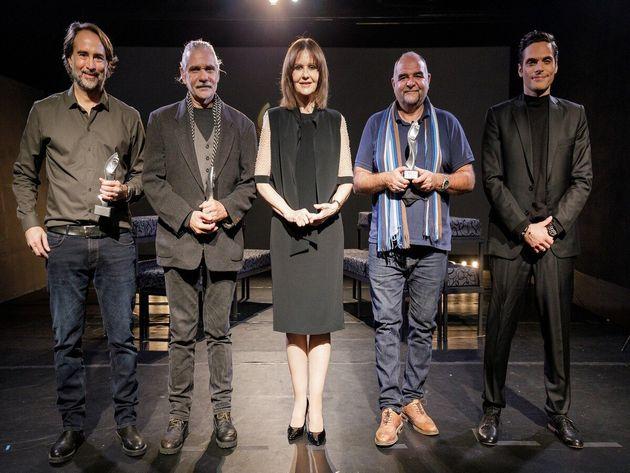 Τα βραβεία καλύτερης παράστασης παρέλαβαν οι Γιώργος Λυκιαρδόπουλος (3o βραβείο για τον «Άμλετ»), Γιώργος...