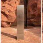 謎のモノリス、突然姿を消す。残されたのは三角形の金属パネルと赤い岩