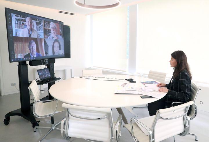 La reina Letizia, en una videoconferencia el 28 de abril de 2020.