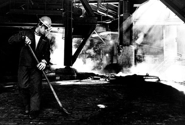 Italy. Taranto Italsider Steel Mill. 70s. (Photo by: Marka/Universal Images Group via Getty