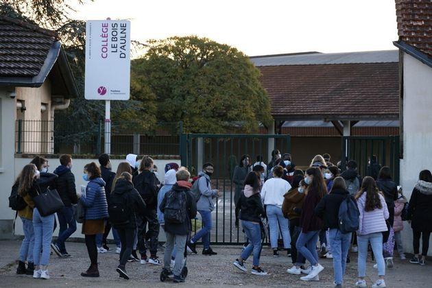Le collège Le Bois-d'Aulne à Conflans-Sainte-Honorine le 3 novembre 2020. (Photo by Thomas COEX /