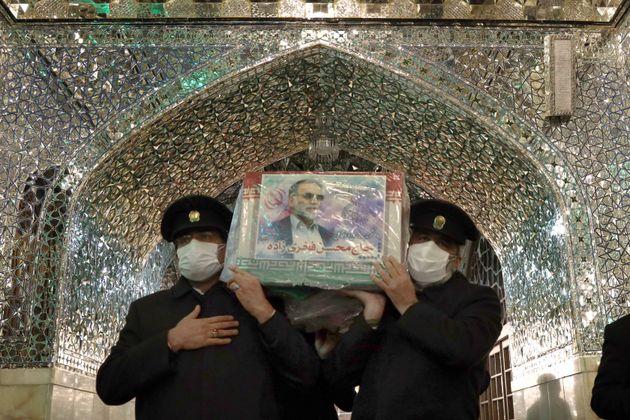 Iran, un'altra morte eccellente nel giorno del funerale dello scienziato