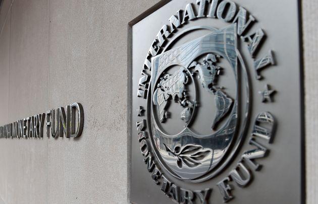 ΔΝΤ: Επαρκής σε μεσοπρόθεσμο επίπεδο η βιωσιμότητα του ελληνικού