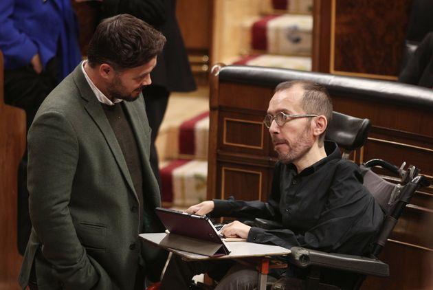 Gabriel Rufián, de ERC, y Pablo Echenique, de Unidas Podemos, en una imagen de archivo en el Congreso...