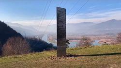 Un mystérieux monolithe est également apparu en