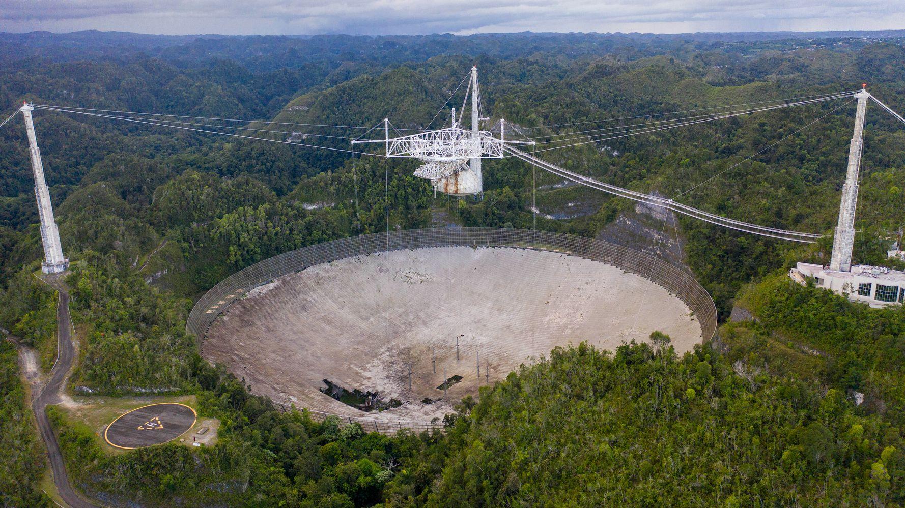 Huge Arecibo Observatory Radio Telescope In Puerto Rico Collapses
