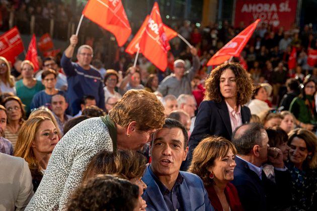 Sánchez en un acto electoral en Alcalá de Henares