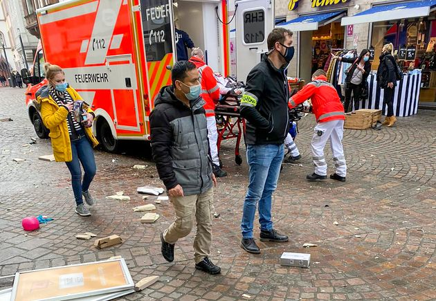 Γερμανία: Πέντε νεκροί και τραυματίες στην Τρίερ - Μεθυσμένος οδηγός έπεσε πάνω στο πλήθος με