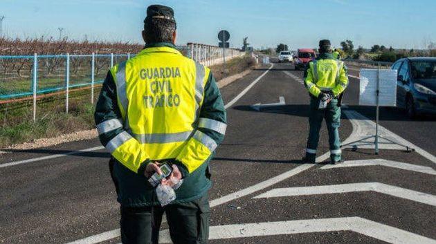 Guardia Civil de Tráfico controlando el cierre
