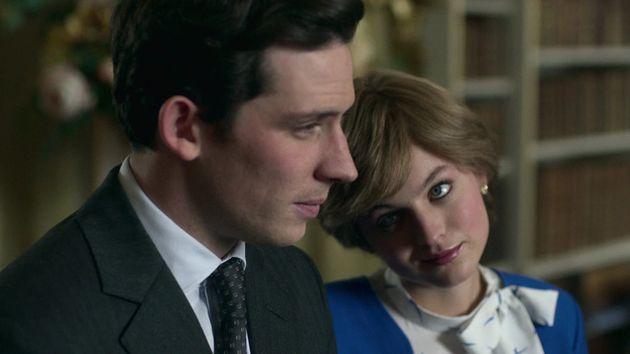 Le Prince Charles (Josh O'Connor) et la Princesse Diana (Emma Corrin) dans la saison 4 de