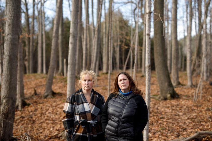 Kara Ferreira and her sister Heather Arthur lost their mother Elise Arthur during an outbreak of COVID-19 at Grace Manor home in Brampton, Ont. The sisters were photographed in Wasaga Beach, Ont. on Nov. 28, 2020.