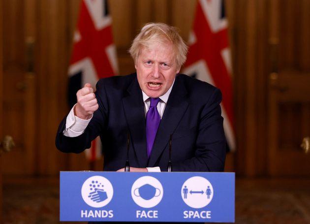 보리스 존슨 영국 총리가 코로나19 브리핑에서 발언하고 있다. 런던, 영국. 2020년 12월2일. 영국은 미국 화이자와 독일 바이오엔테크가 개발한 코로나19 백신에 대해 긴급승인을...