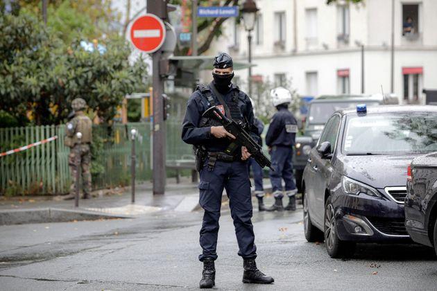 Γαλλία: Επιχείρηση «κατά του αυτονομισμού» από τις αρχές με ελέγχους σε 76